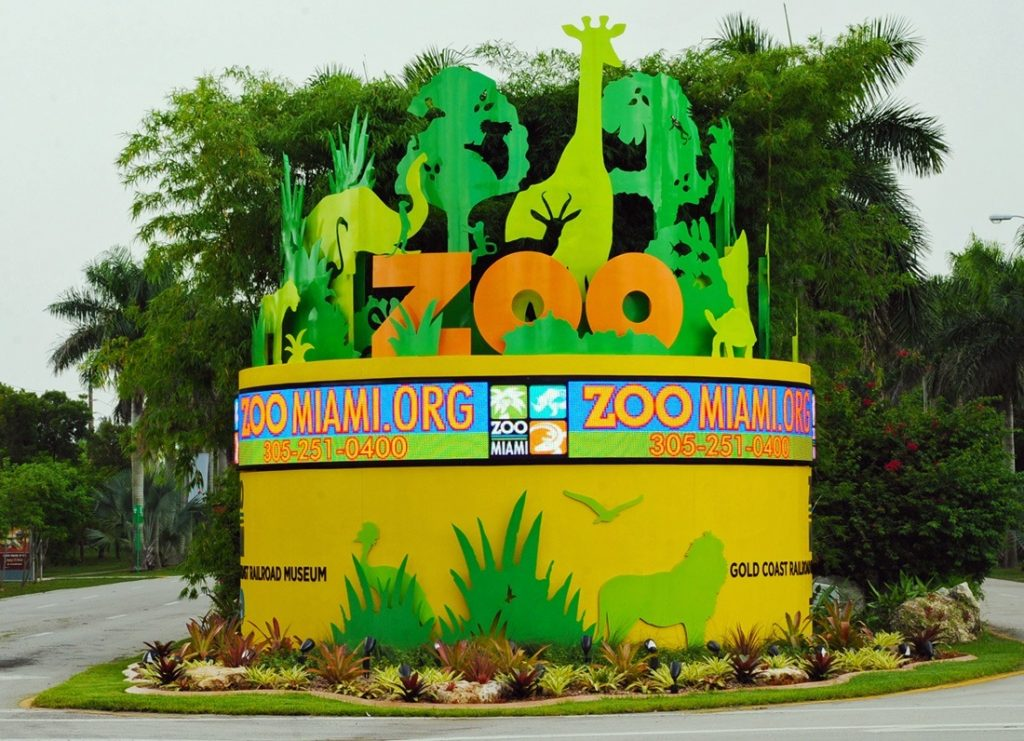 Entrance-to-Zoo-Miami