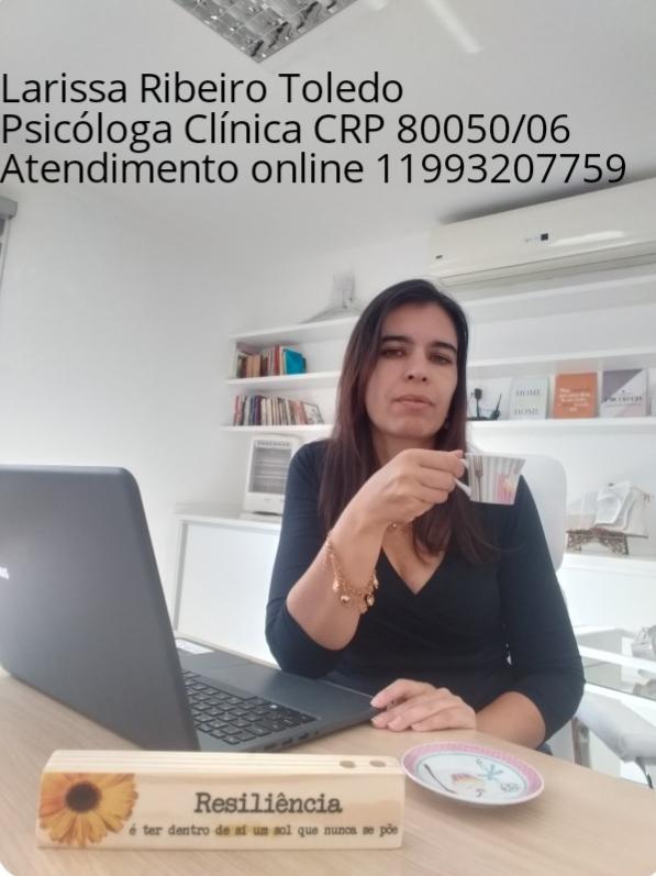Larissa Ribeiro Toledo - Psicóloga