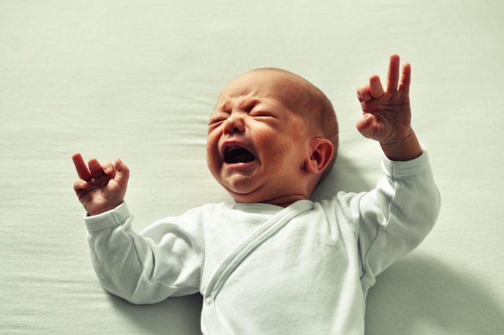 como lidar com a cólica do bebê