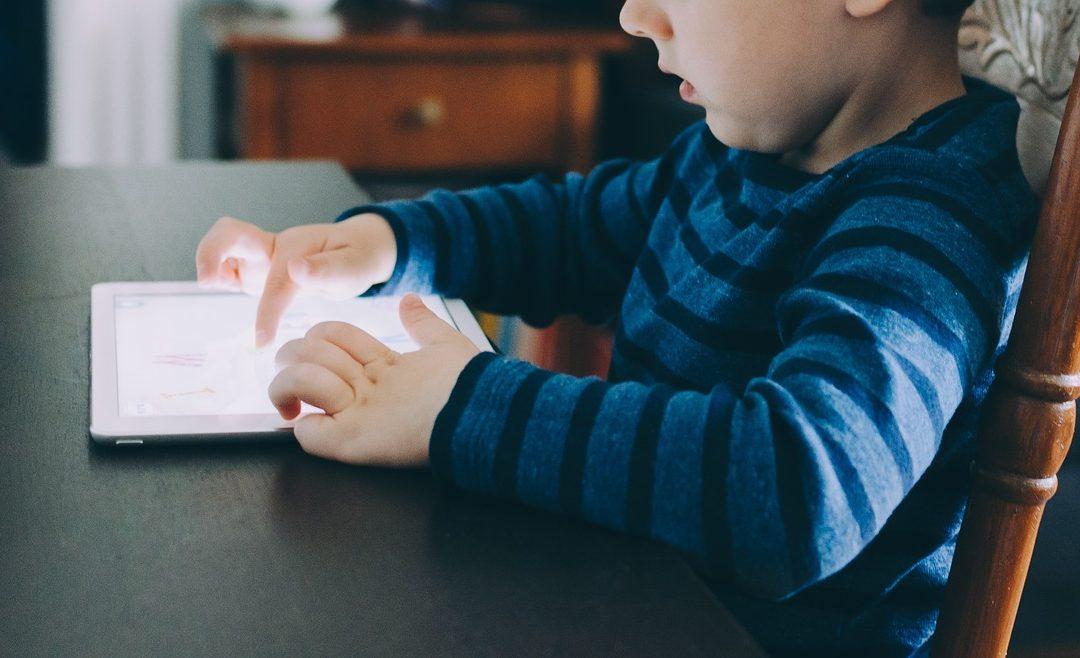 7 dicas – Como diminuir o uso de telas para crianças